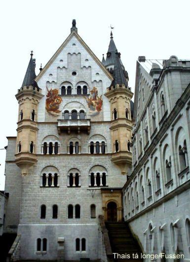 castela-neuschwanstein-alemanha-thais-ta-longe